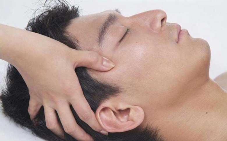 Nguyên nhân và cách bấm huyệt trị đau đầu tại nhà